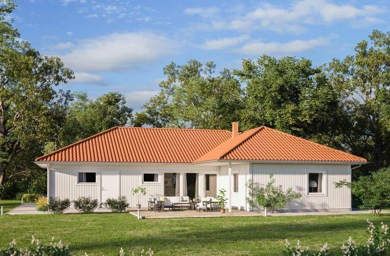 Borohus Karisma 8 med vitmålad träpanel och tegelrött tak